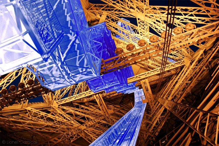Photo de paysage urbain - Tour Eiffel - © Lionel Caracci Krom Galerie