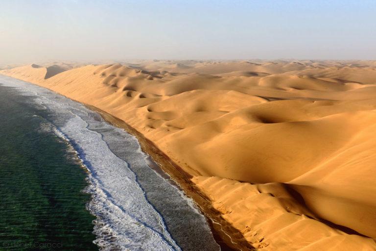 Photo de paysage nature - Désert et Océan, Namibie - © Lionel Caracci Krom Galerie