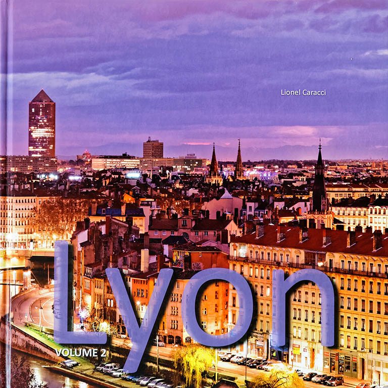 Livre de photos de Lyon - vol 2, couverture recto © Lionel Caracci