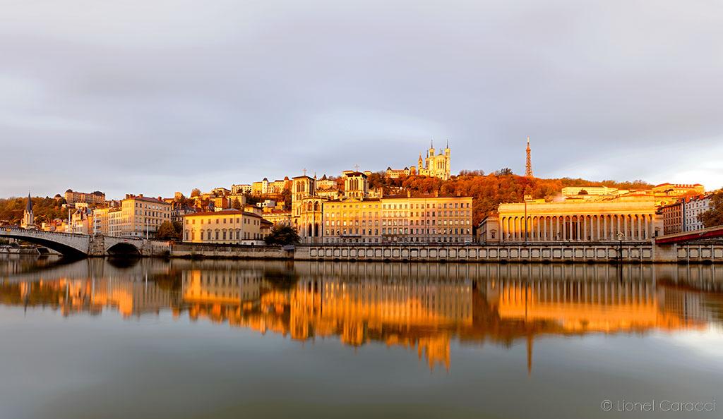 Photo Lyon Jour - Reflet sur la Saône - Fourvière - Saint Jean - © Lionel Caracci Krom Galerie